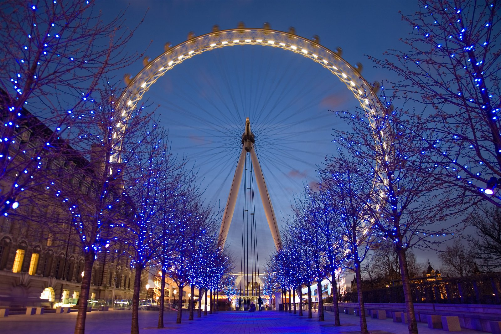 London is the place to be - Photo by Diliff - CC BY 2.5