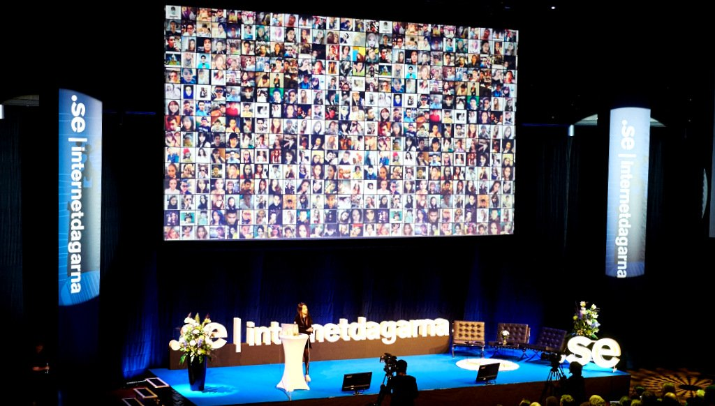 Sougwen Chung at Internetdagarna 2014 - Phöto by Tobias Bjorkgren
