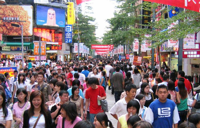 LSE Lecturer Keyu Jin on the importance of China consumers in rebalancing the economy