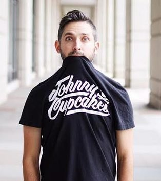 Johnny Earle in Johnny Cupcakes t-shirt